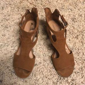 Merona stacked heel zipper back